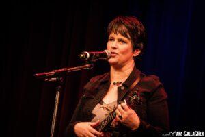 Catharina mit C auf der Bühne beim Berliner Ukulele-Festival